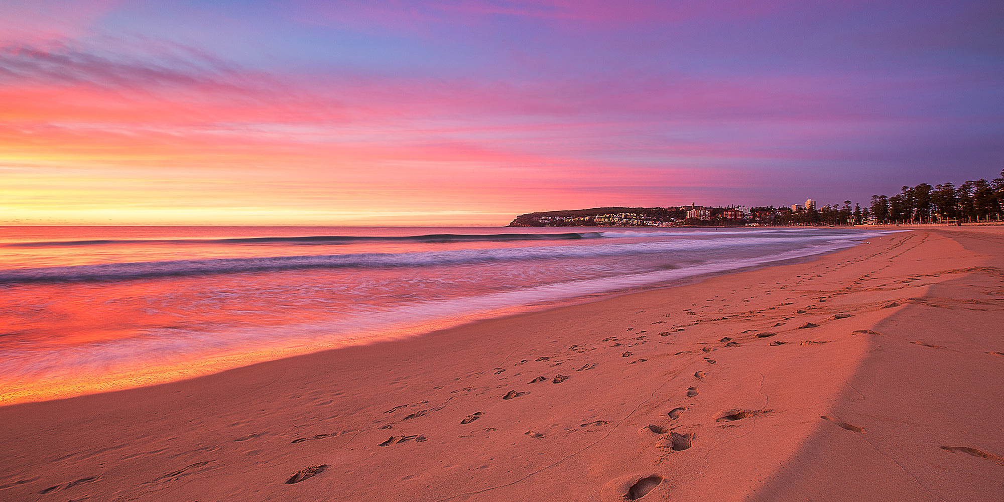 Stay 1 minute walk from beautiful Manly Beach